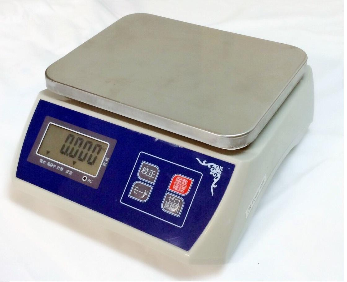 防塵デジタル皿はかり30kg/1g バッテリー内蔵充電式 液晶大画面表示 ステンレス皿仕様 (皿はかり) 【はかりデジタル計り量り】上皿秤_画像2