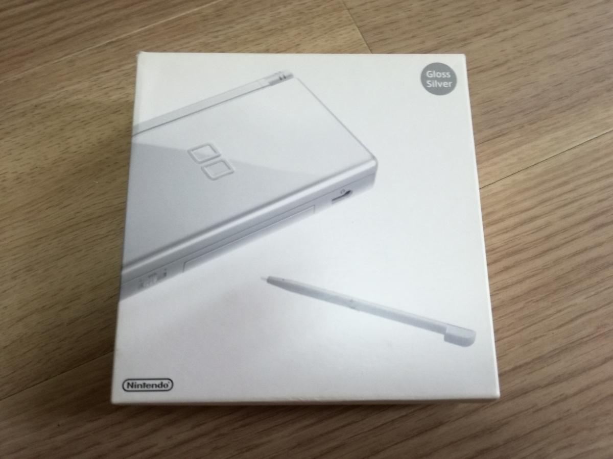 【新品・未使用】任天堂 ニンテンドーDS Lite グロス シルバー