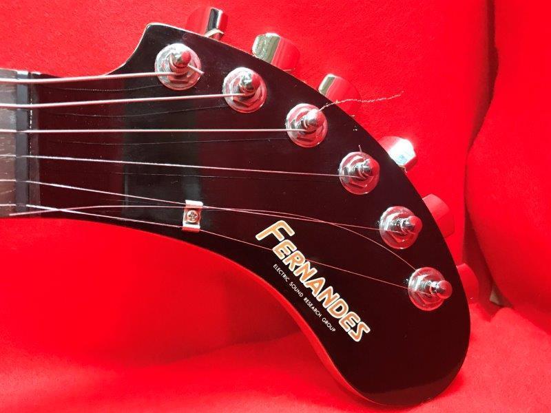 [D02282] FERNANDES フェルナンデス ZO-3 ZO3 ゾーサン エレキギター アンプ内蔵ギター ソフトケース付き_画像6