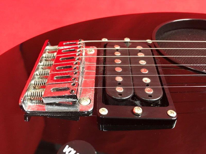 [D02282] FERNANDES フェルナンデス ZO-3 ZO3 ゾーサン エレキギター アンプ内蔵ギター ソフトケース付き_画像9