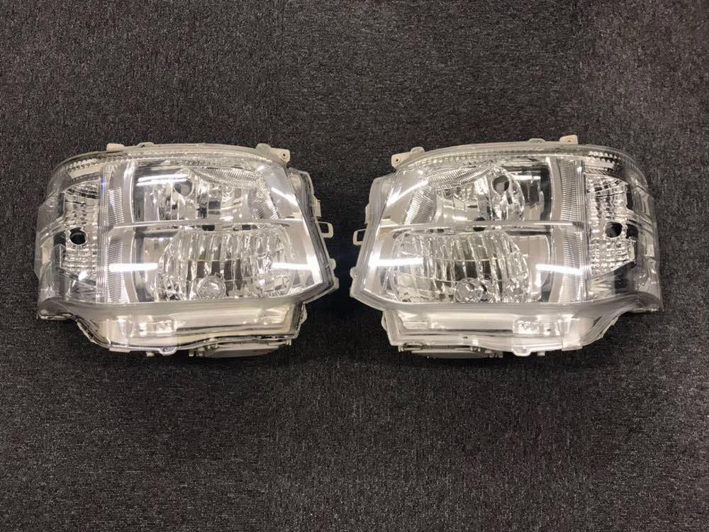 ハイエース200系 3型 ヘッドライト左右セット 美品HIDヘッドライト 格安1円スタート!!