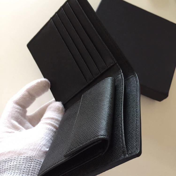 新品 限定商品 ドイツタンナーの本革 牛革 二つ折り財布 小銭入れ ルノワール、コンパクト、超人気財布!_画像5