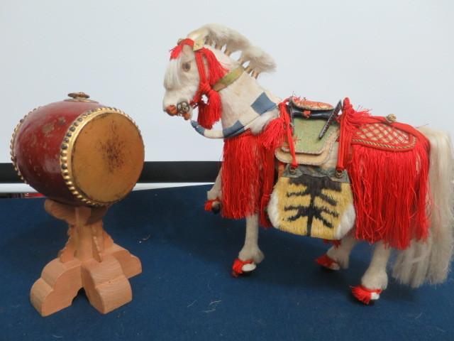 【人形館】「丸平太鼓と神馬C-244」五月人形・武者人形・大将飾り.蒔絵〝五〟_画像2