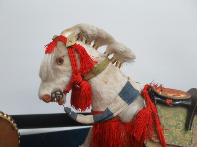 【人形館】「丸平太鼓と神馬C-244」五月人形・武者人形・大将飾り.蒔絵〝五〟_画像3