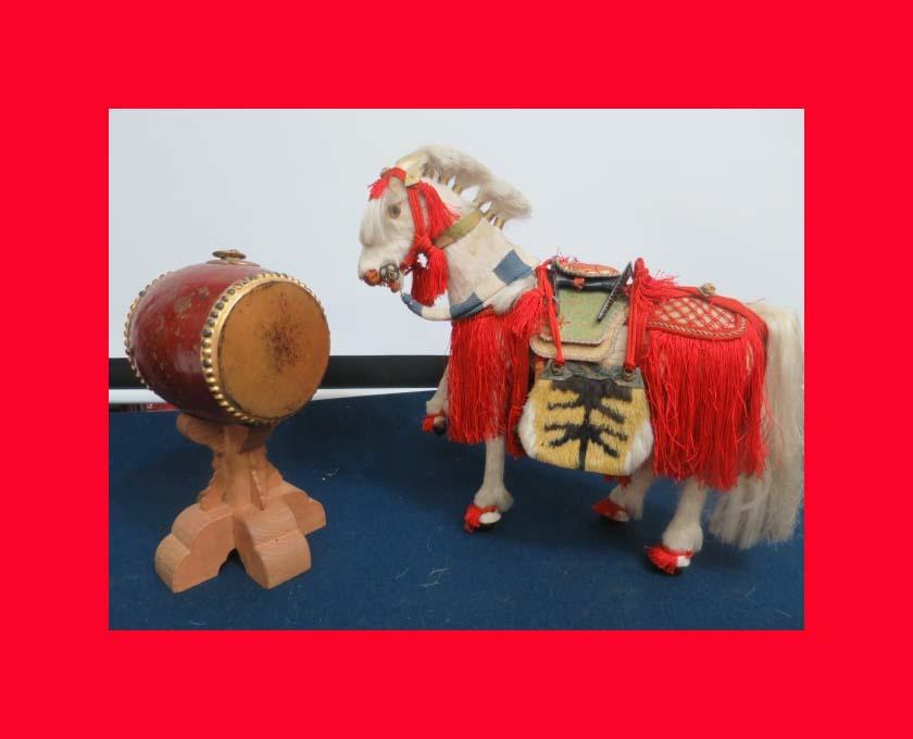 【人形館】「丸平太鼓と神馬C-244」五月人形・武者人形・大将飾り.蒔絵〝五〟_丸平のお品です。