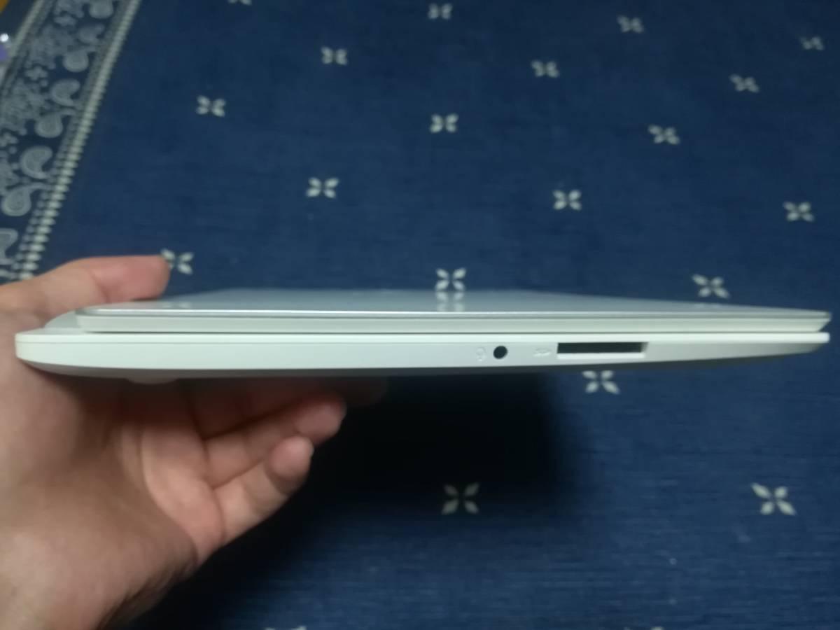 左側面 オーディオジャック SDカード