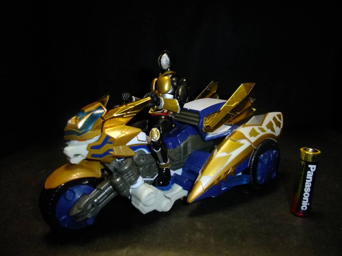 TAKARA R-A08 当時物 魔弾戦記 リュウケンドー マダンゴッドレオン マダンブレイブレオン より 進化 特撮 ヒーロー バイク フィギュア_S.H.Figuarts仮面ライダーアギト含みません