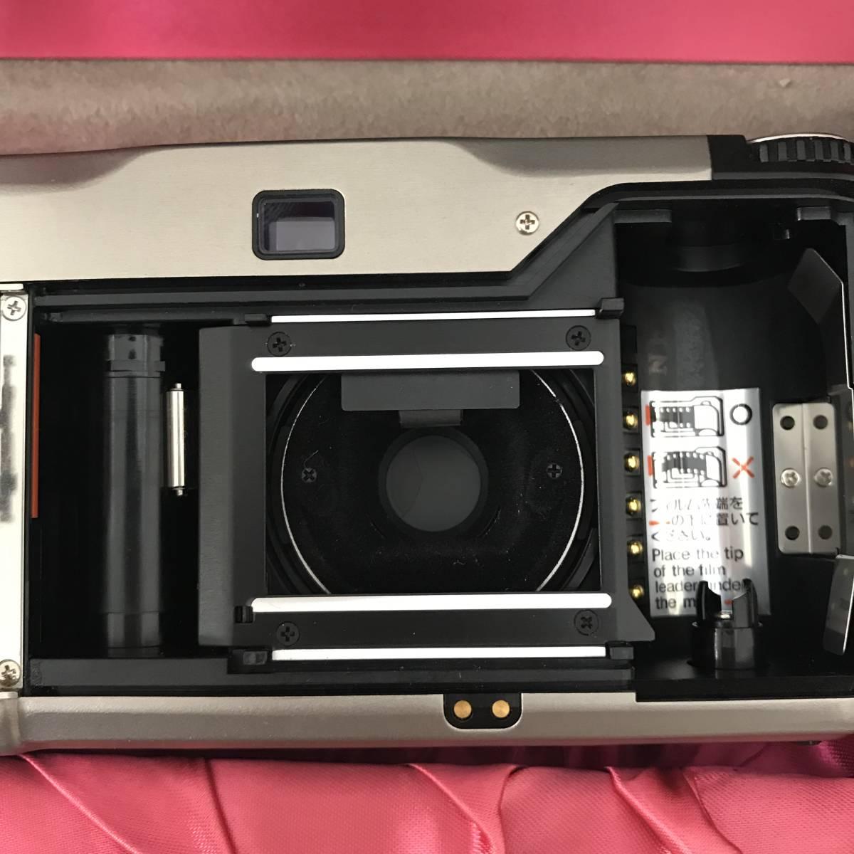 ★美品★ コンタックス CONTAX T2 Sonnar 38mm F2.8 T* コンパクトフィルムカメラ 取扱説明書 元箱 ケース ストラップ付_画像3