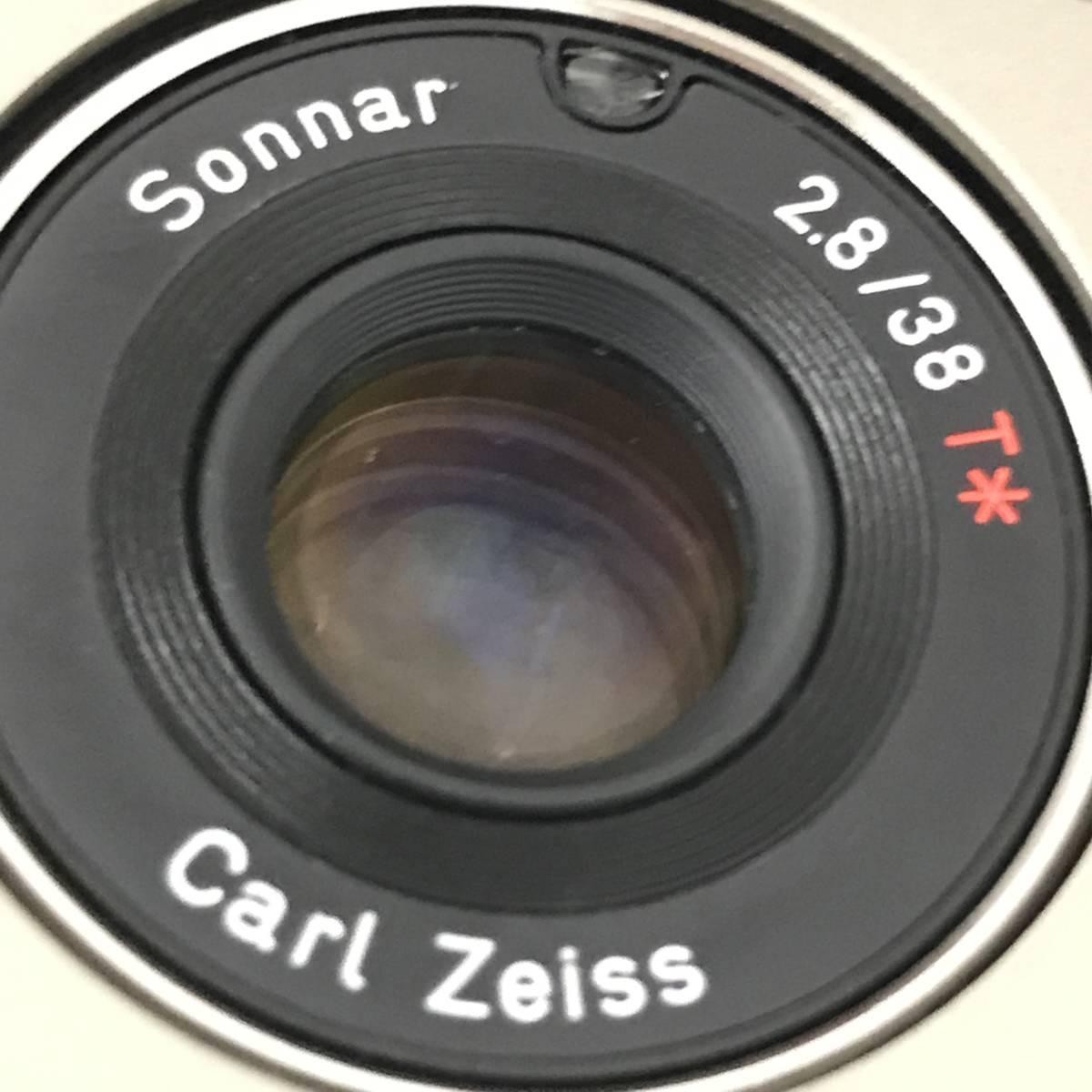 ★美品★ コンタックス CONTAX T2 Sonnar 38mm F2.8 T* コンパクトフィルムカメラ 取扱説明書 元箱 ケース ストラップ付_画像5