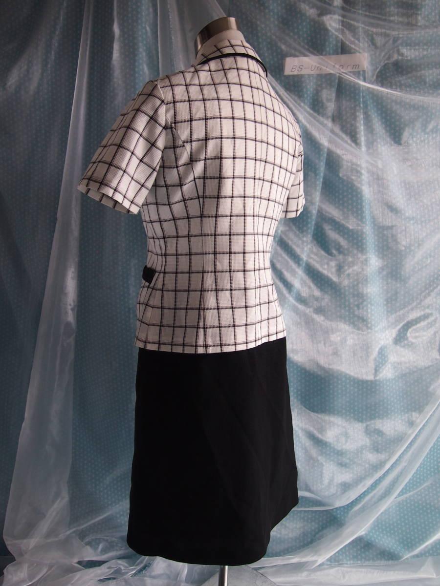 OL制服・事務服Amatir白格子柄オーバーブラウス・セロリー黒スカート 9号_画像2