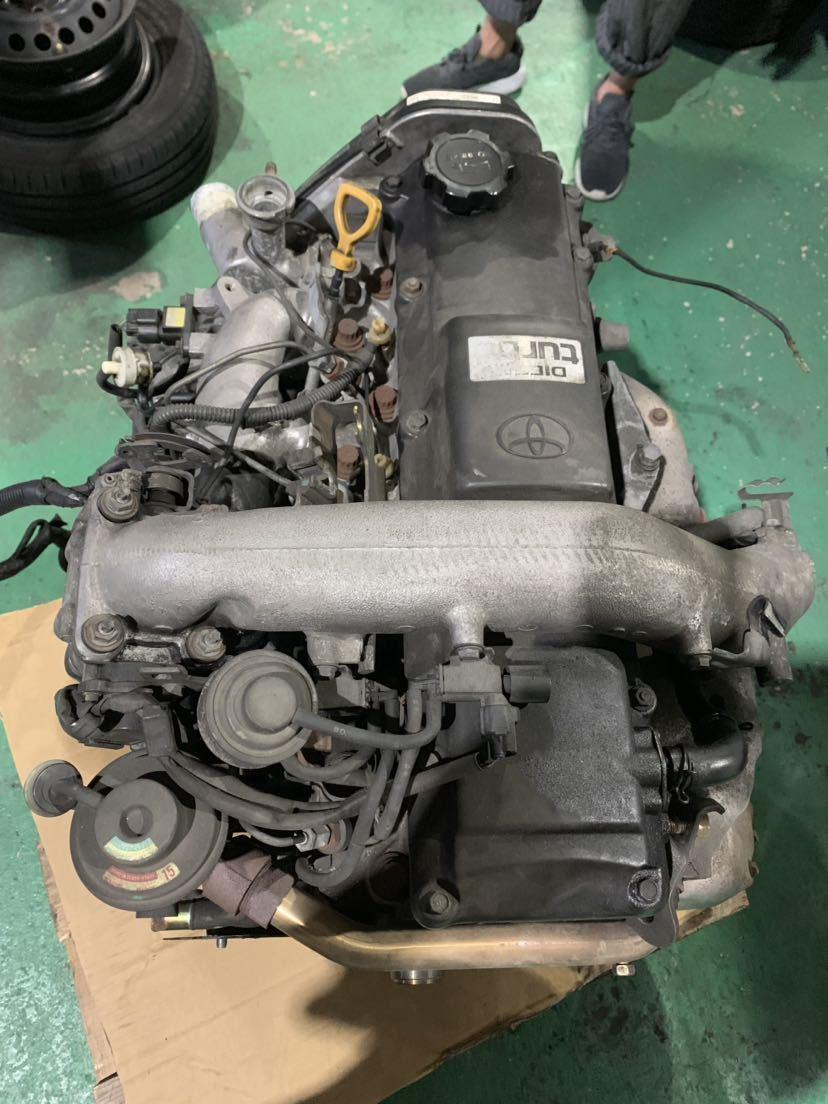 ☆大阪発☆ハイエース KZH 1KZ 4WD 2WD 軽油 ディーゼルエンジン ターボ付き 燃料ポンプ付き 100系 修理ベースでいかがでしょうか_画像3