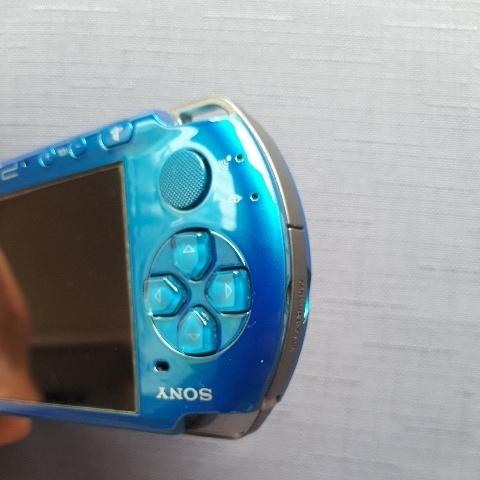 1円スタート! 美品! PSP-3000 ブルー バッテリー 充電器付き_画像5