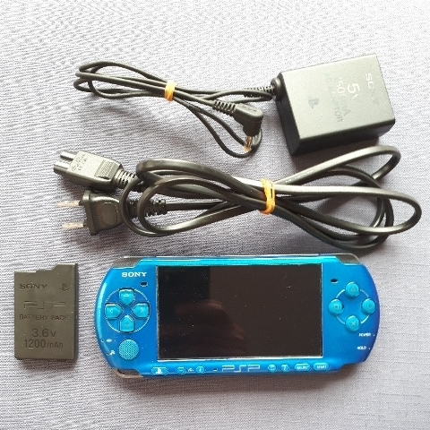 1円スタート! 美品! PSP-3000 ブルー バッテリー 充電器付き