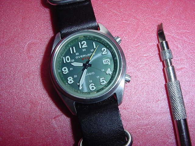 必要充分な機能を備えた CASIO OVW-100BJ 腕時計 ①_画像2