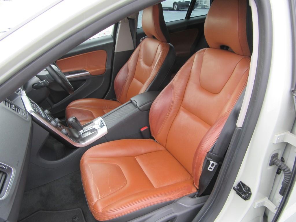 車内は綺麗で快適です。