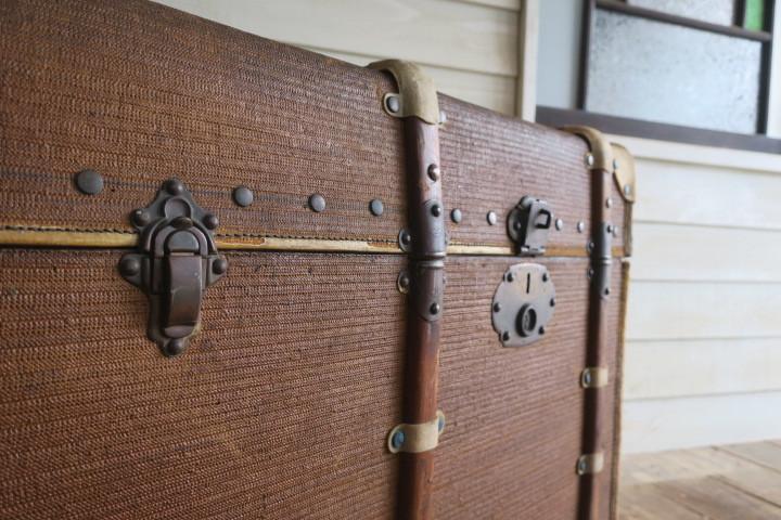 希少1200x630x630特大♪素敵な装飾♪古い船舶 アンティーク トランク☆テーブル 収納 BOX ケース 旅行鞄 ケビント 箱 飾り台 展示台 什器_画像5