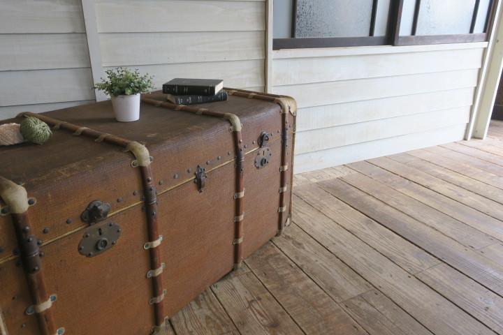 希少1200x630x630特大♪素敵な装飾♪古い船舶 アンティーク トランク☆テーブル 収納 BOX ケース 旅行鞄 ケビント 箱 飾り台 展示台 什器_画像10