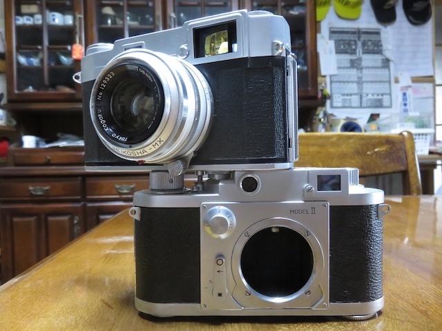 部屋のインテリアにどうでしょうか。トプコン35S、ミノルタ35 全てレンジファインダーカメラの紹介でございます。