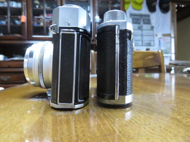 部屋のインテリアにどうでしょうか。トプコン35S、ミノルタ35 全てレンジファインダーカメラの紹介でございます。 _画像3