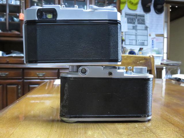 部屋のインテリアにどうでしょうか。トプコン35S、ミノルタ35 全てレンジファインダーカメラの紹介でございます。 _画像4