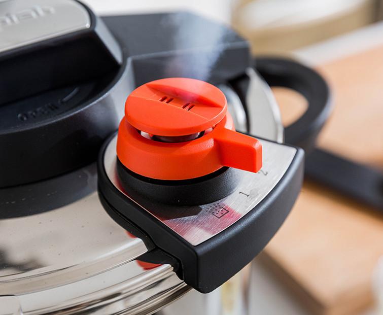 圧力鍋 ステンレス製 プレッシャークッカー 電気圧力鍋万能調理器 直径24cm 蒸し器付き 調理器具 家庭用_画像5