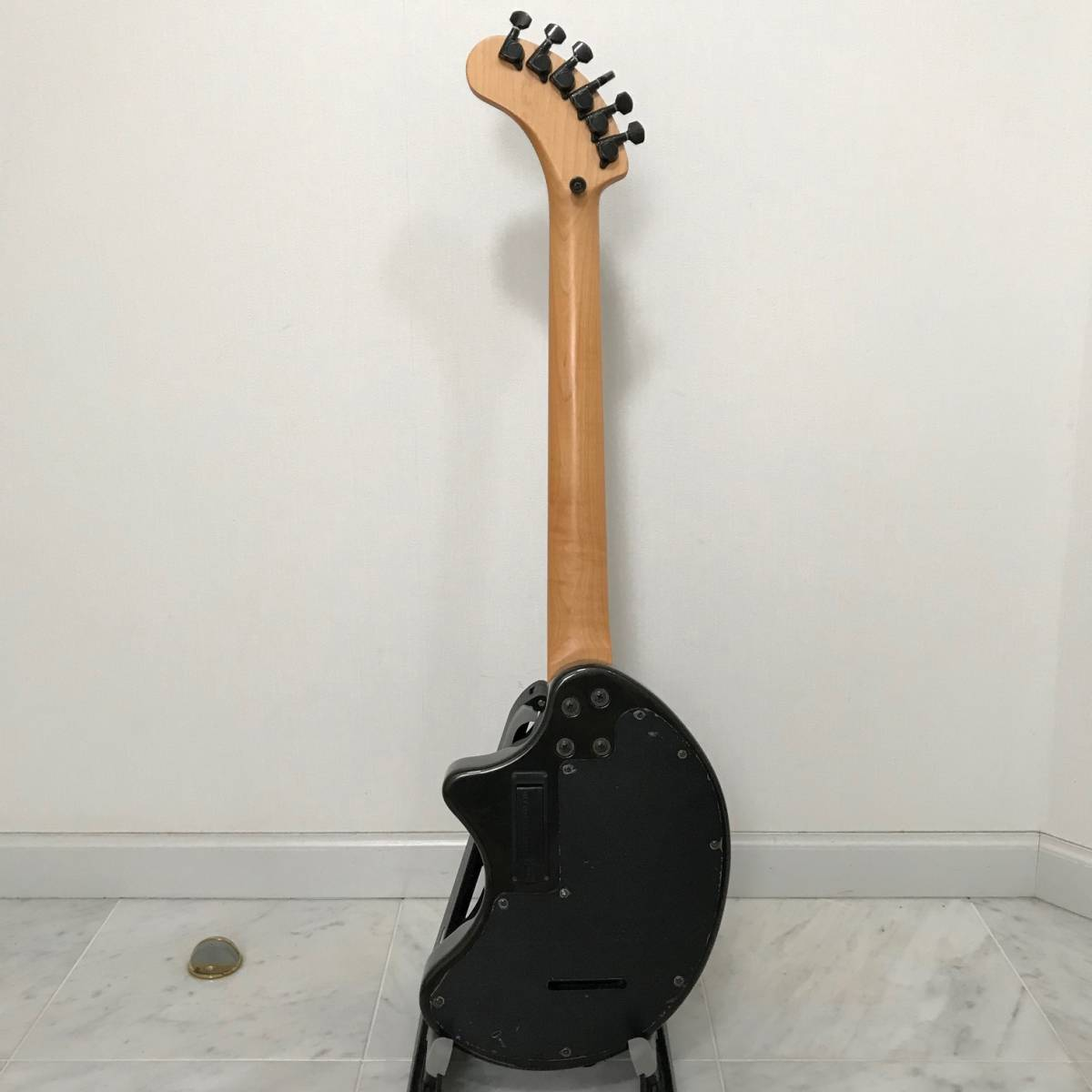 ZO-3 芸達者 ディストーション アンプ内臓 GOTOHペグ ギター ブラックメタリック ジャンク FERNANDES_画像7