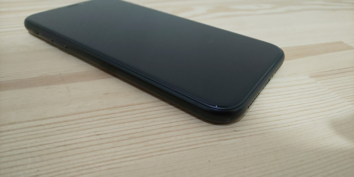 ★ SIMフリー ドコモ iPhone XR 256GB ブラック 電池100%_画像4