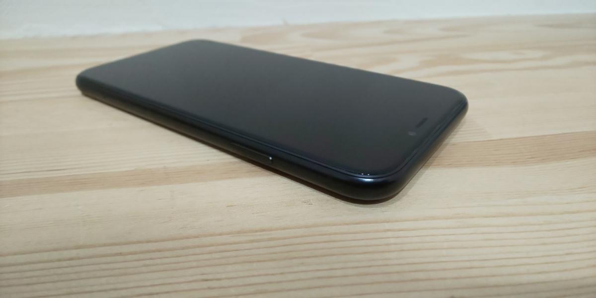 ★ SIMフリー ドコモ iPhone XR 256GB ブラック 電池100%_画像6
