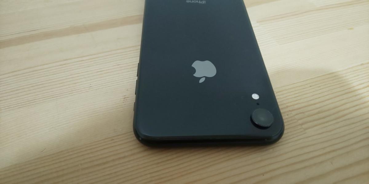 ★ SIMフリー ドコモ iPhone XR 256GB ブラック 電池100%_画像9