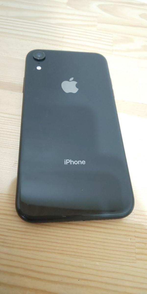 ★ SIMフリー ドコモ iPhone XR 256GB ブラック 電池100%_画像8