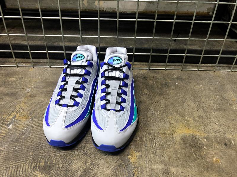 USA購入 Nike Air Max 95 OG WolfGrey ナイキ エアマックス 95 OG ウルフグレー/インディゴ バースト/ハイパー ジェイド US6 JP24cm_画像9