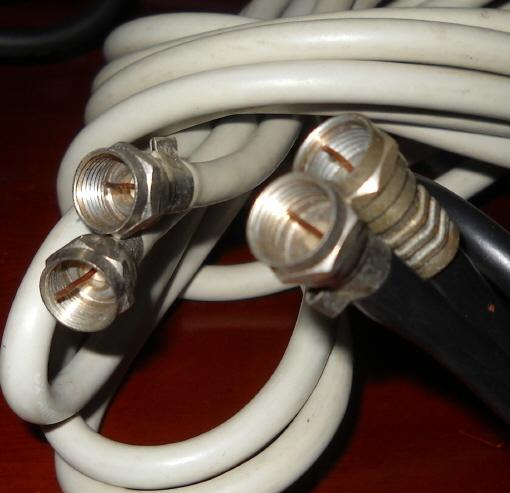 ■ テレビ アンテナ用 同軸ケーブル 6メートル 4メートル 2.5m 1.17m 4本 コネクター付 ■_画像3