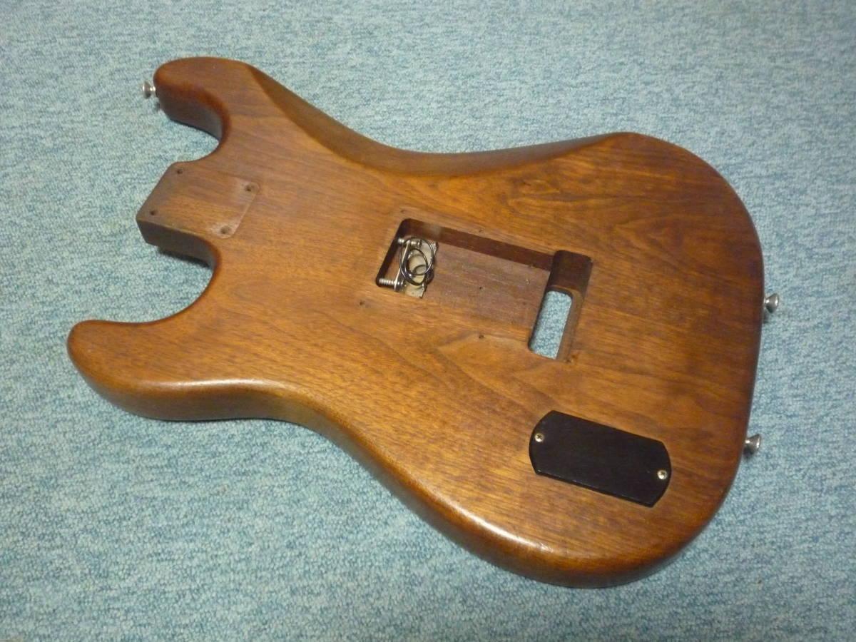 1980年代製 MOON Walnut 2PC Stratocaster Style Body ムーン ウォルナット材 2ピース ストラト スタイル ボディ ブラスピックガード PGM_画像6