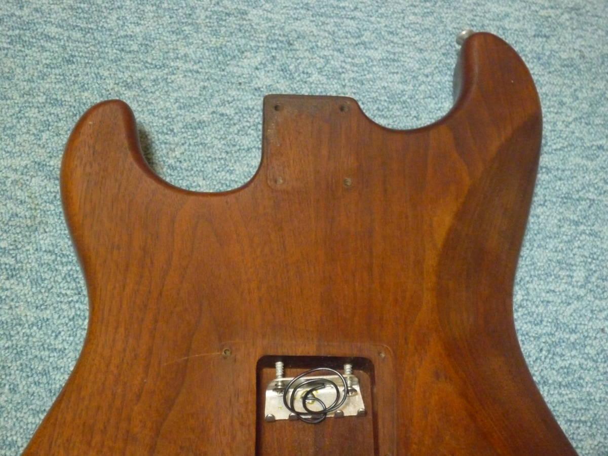 1980年代製 MOON Walnut 2PC Stratocaster Style Body ムーン ウォルナット材 2ピース ストラト スタイル ボディ ブラスピックガード PGM_画像7