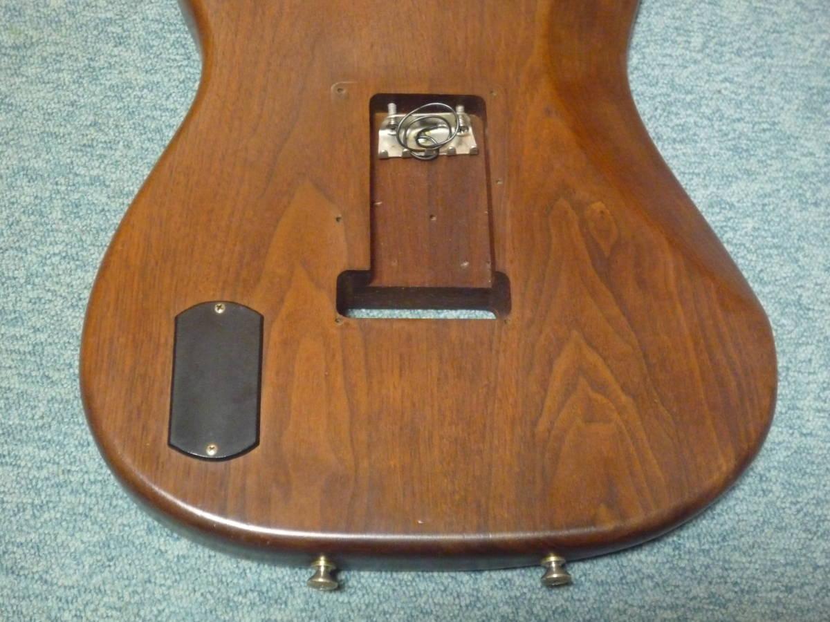 1980年代製 MOON Walnut 2PC Stratocaster Style Body ムーン ウォルナット材 2ピース ストラト スタイル ボディ ブラスピックガード PGM_画像8