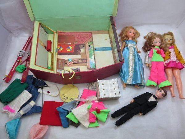 う) リカちゃんハウス リカちゃん人形 衣類 スキー板 家具 等まとめて大量セット