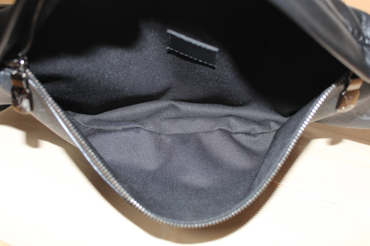 M44336 ルイ ヴィトン モノグラム エクリプス ディスカバリー バムバッグ ボディバッグ バックパック リュック ショルダーバッグ 美品 本物_画像8