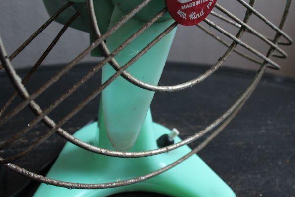 イタリア アンティーク 古い扇風機 bjm プラスチック製 グリーン 実働 220V_画像4