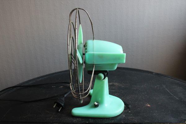 イタリア アンティーク 古い扇風機 bjm プラスチック製 グリーン 実働 220V_画像5