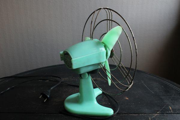 イタリア アンティーク 古い扇風機 bjm プラスチック製 グリーン 実働 220V_画像7