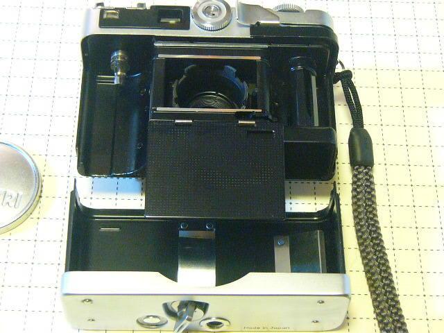 希少 PETRI ペトリ Petri Color 35 Custom C.C Petri 1:2.8/40mm (実動作・極美品) 沈胴式・露出計稼働/ジャンク扱い_画像4