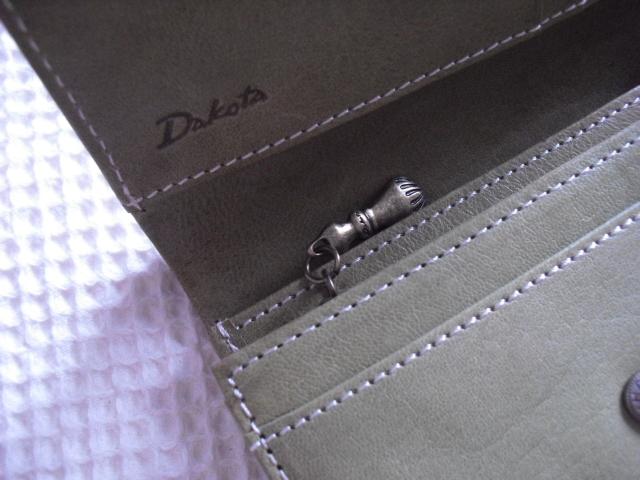 新品ダコタ*牛革財布*収納多数¥12960_画像5