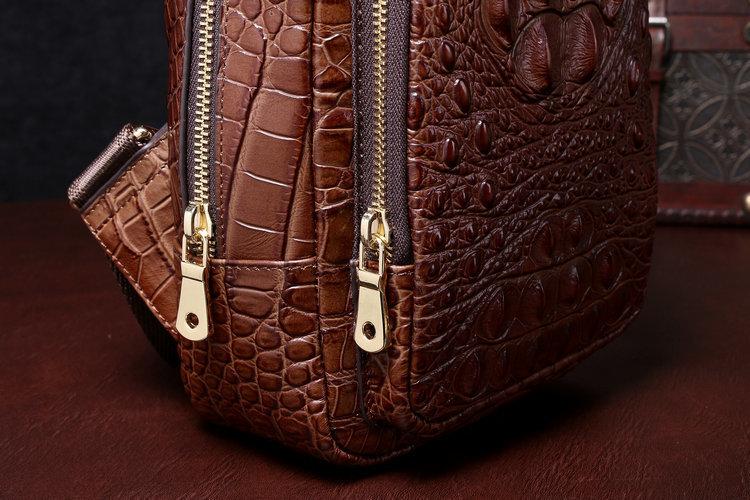 【高級ワニ革本物保証 】 クロコダイル 男性用 ファション メンズバッグ  ショルダーバッグ 斜め掛け 新品_画像3