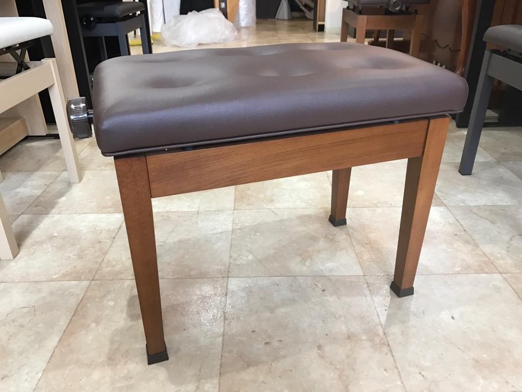 ピアノ KAWAI製 高低自在ピアノ椅子 木目 新品展示処分品 新品です!!