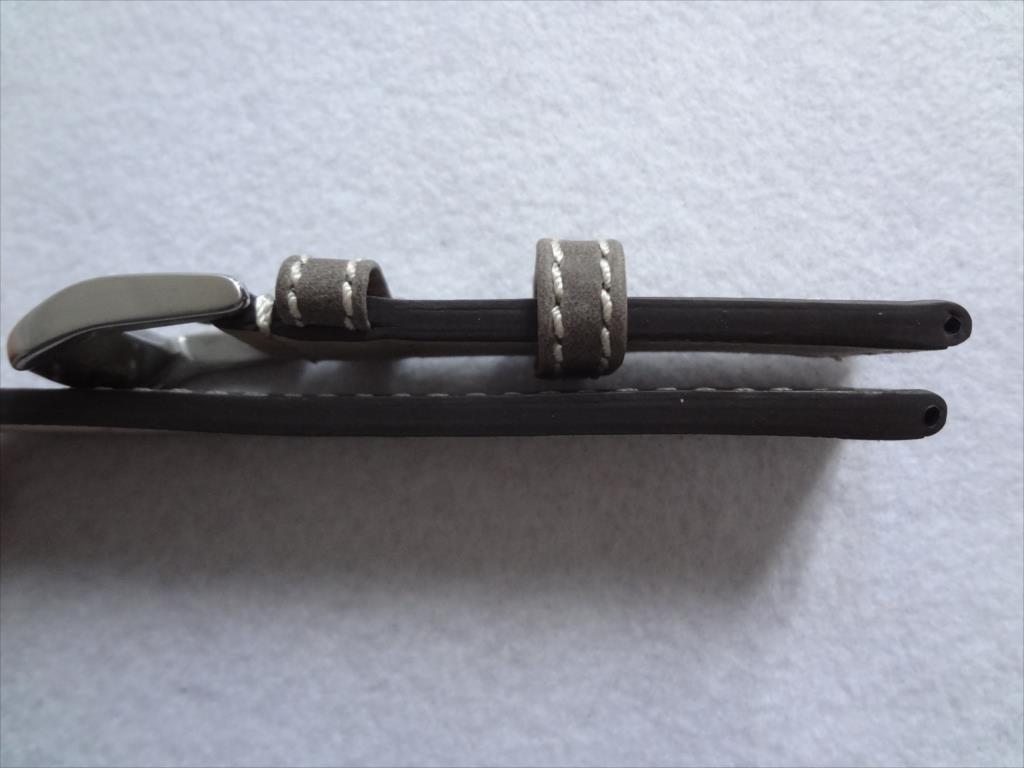 腕時計レザーバンド 22mm ずっしり艶消し尾錠 ベルト 灰色 灰 グレイ/白ステッチ バンド厚み:約4mm-5mm_画像3