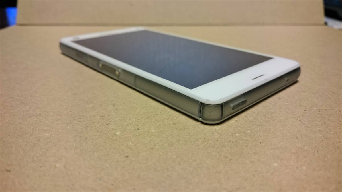 中古品 docomo SONY XPERIA Z3 Compact SO-02G White(白) 白ロム ネットワーク利用制限○_画像10