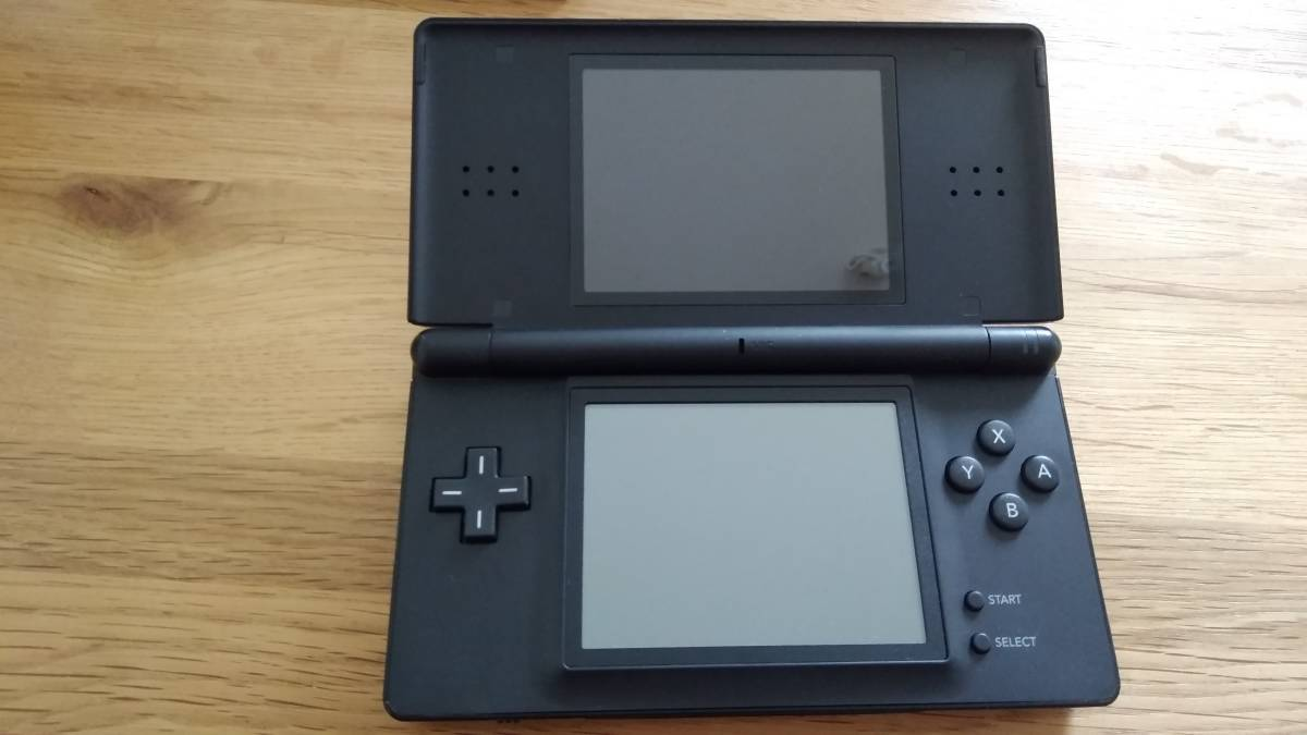 任天堂 DS Lite 本体 ジェット ブラック 黒 ドラゴンクエストⅨ 9 ドラクエ 星空の守り人_画像2