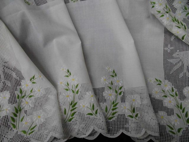 手刺繍 デイジー テーブルクロス
