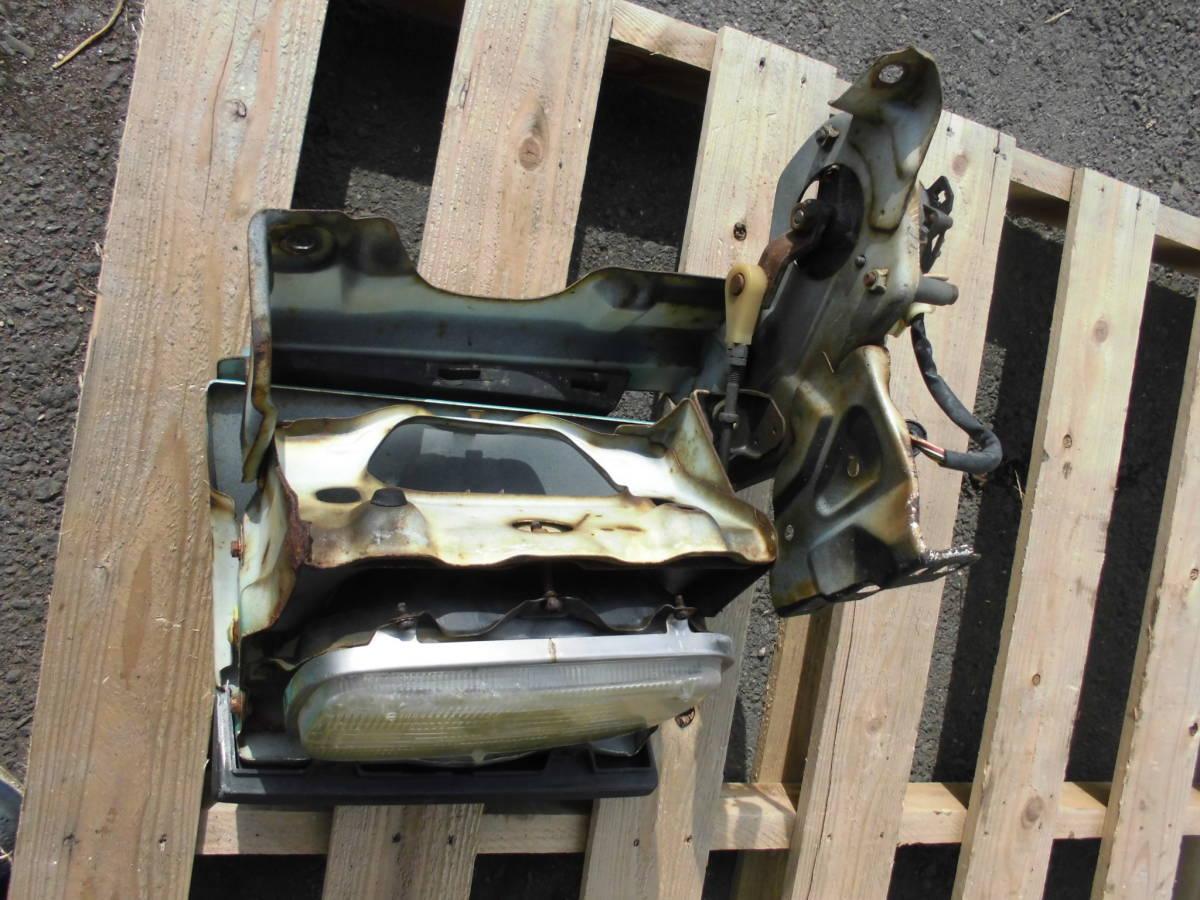 長期保管 AE86 トレノ 前期 L 左側 リトラクタブルヘッドライト 助手席側 前期 リトラボディ ライト付き ライトカバー リトラモーター付き_画像9