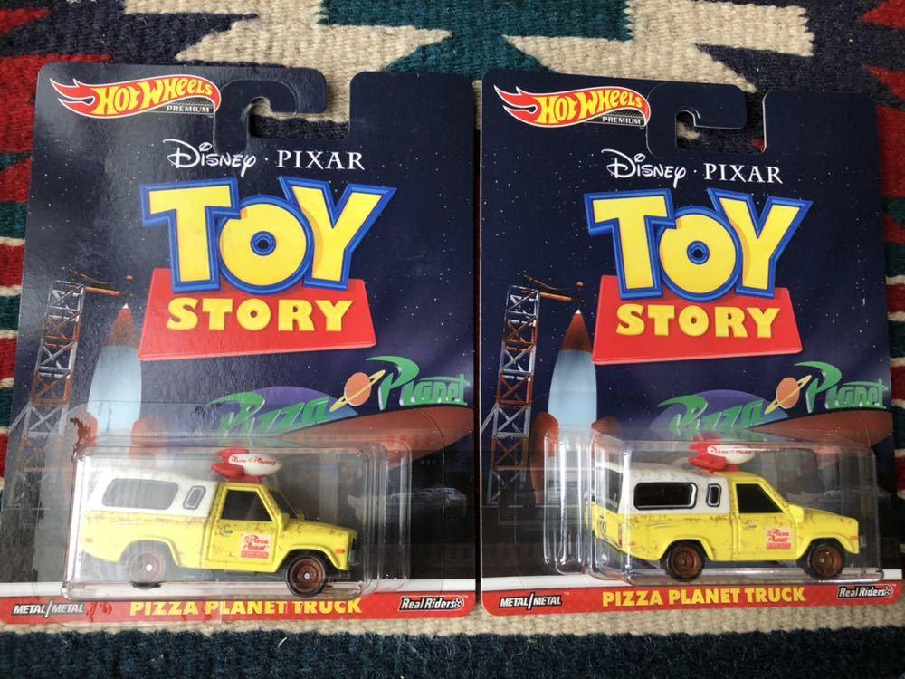 2台 セット 日本未発売 ホットウィール トイストーリー ピザプラネット Toy Story PIZZA PLANET TRUCK リアルライダー Real Riders_画像1